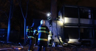 Požiar unimobuniek v Bratislave