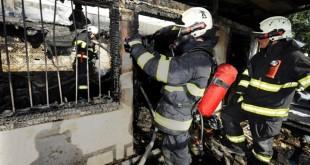 Bratislavskí hasiči dnes nadránom zasahovali pri požiari domu