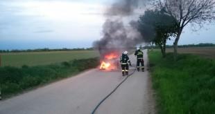 Automobil zhorel pravdepodobne z dôvodu technickej poruchy