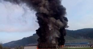 Požiar výrobnej haly vo Vlachoch