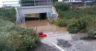 V Cíferi zaplavilo polovicu ulice
