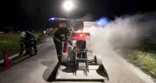 Hasiči zasahovali pri požiari elektromobilu