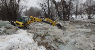 Hasiči celý víkend odstraňovali ľadové kryhy na rieke Ubľanka