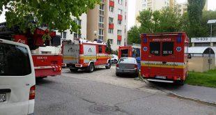 Hasiči likvidovali požiar na Pankúchovej ulici v Petržalke