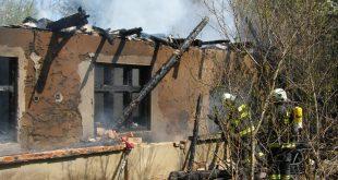 Z rodinného domu zostali iba ruiny