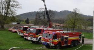 Na taktickom cvičení na hrade Červený Kameň sa zúčastnili 4 dobrovoľné hasičské zbory obcí