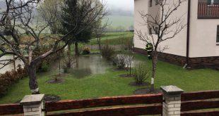 Sever Slovenska sužujú povodne
