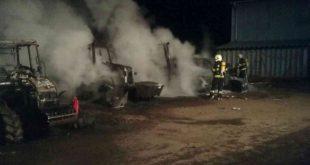 Tri zhorené traktory si vyžiadali škodu 150 tisíc eur